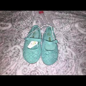 NWT Oshkosh Teal Slippers (Toddler 6)